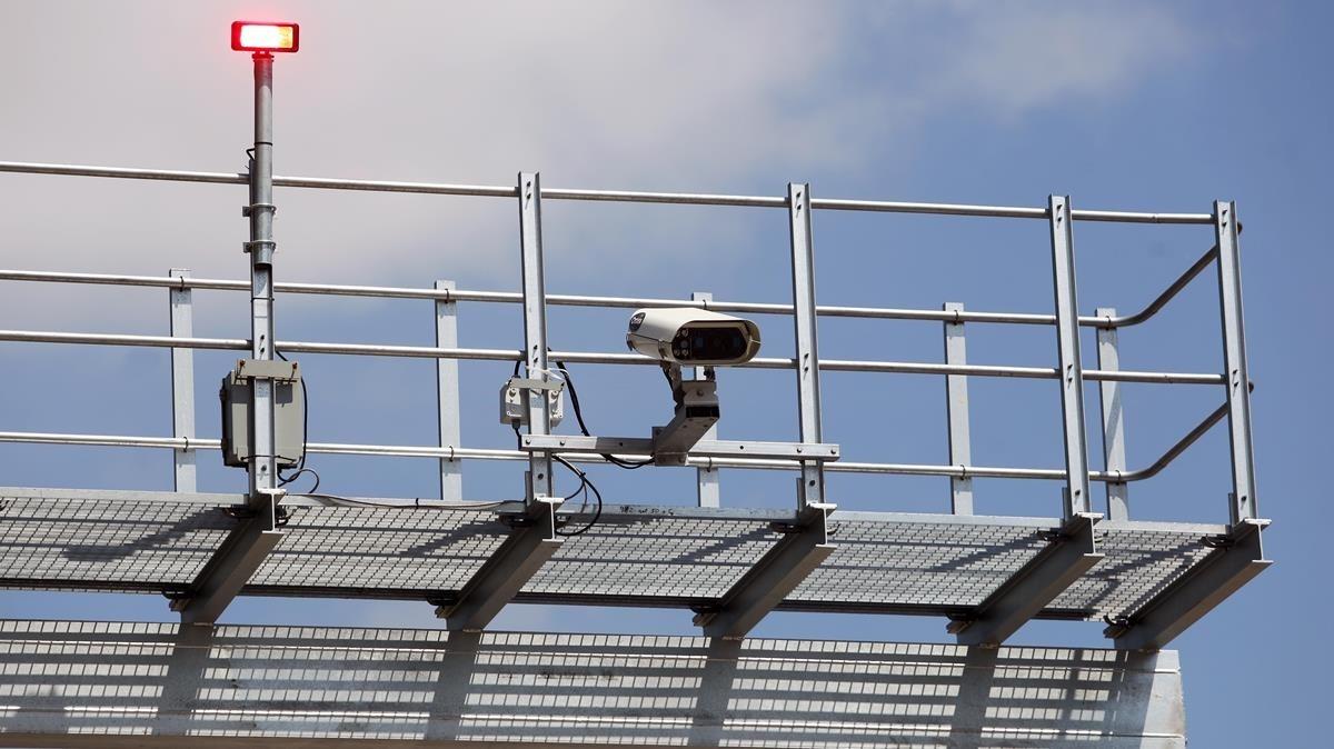 Radar de tramo en la C-65 entre Cassà y Llagostera.