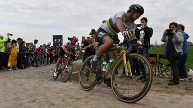 Ni las piedras de Roubaix pueden con el fantástico Peter Sagan