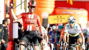Matthews se impone en la segunda etapa de la Volta por delante de Valverde.