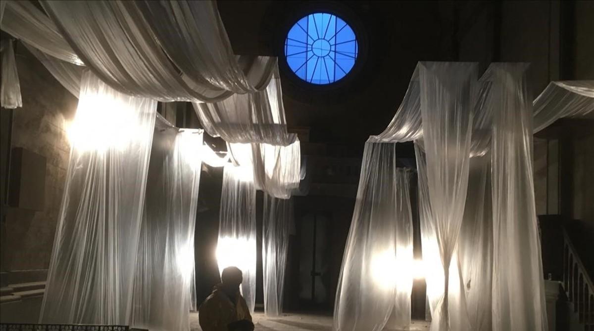 Escenarios de 'SQE': interior de la capilla de la Colonia Sedó, enEsparreguera.