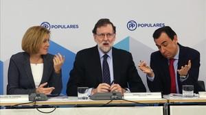 Cospedal, Rajoy y Maillo, esta mañana, al inicio de la reunión del comité ejecutivo nacional.