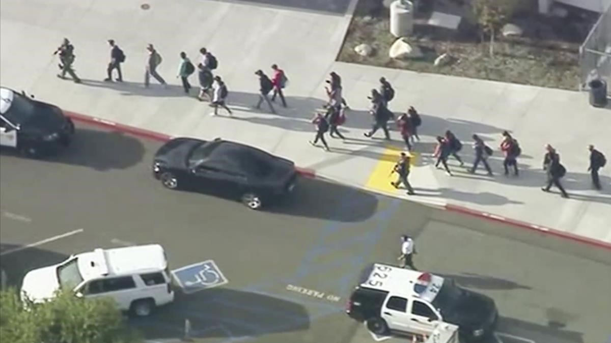 Reportan tiroteo en un colegio de California; hay al menos seis heridos