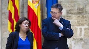 La vicepresidenta del Gobierno, Soraya Sáenz de Santamaría, y el presidente de la Generalitat Valenciana, Ximp Puig, este martes, 31 de enero, en València.