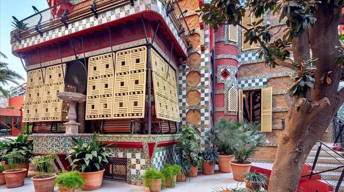 Vista de la fachada de Casa Vicens.