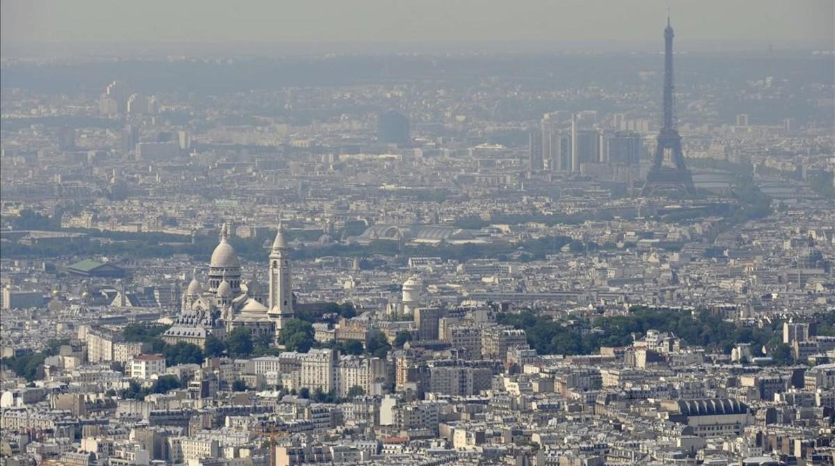 París bajo la contaminación en julio del 2010.
