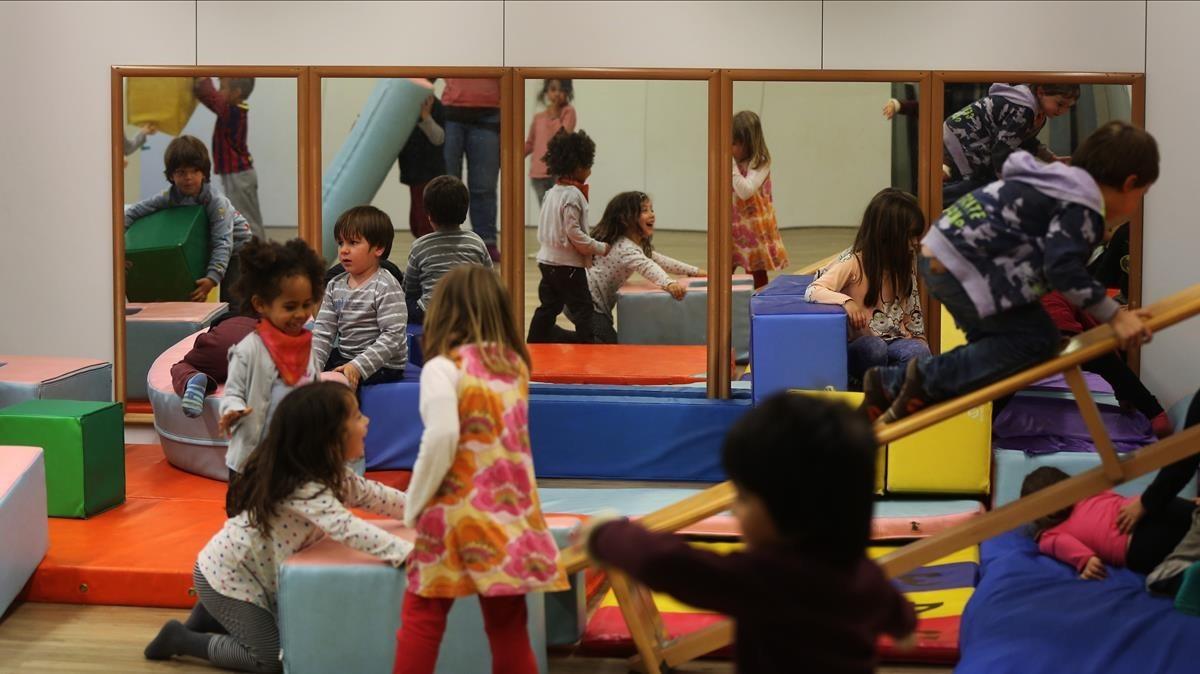 Aula de la escuela pública Els Encants de Barcelona, que trabaja con metodologías innovadoras.