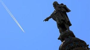 Ada Colau estudia contextualitzar l'estàtua de Colom, però no retirar-la
