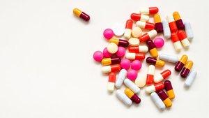 Cápsulas de un medicamento genérico.
