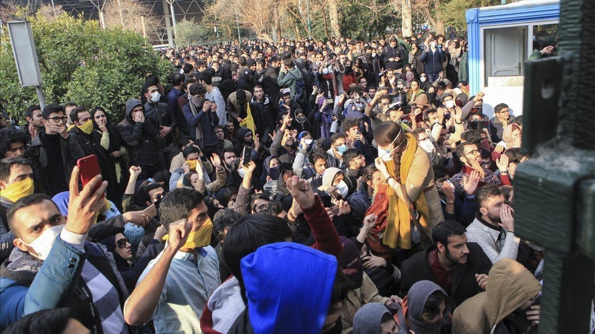 L'Iran restringeix l'ús de les xarxes socials