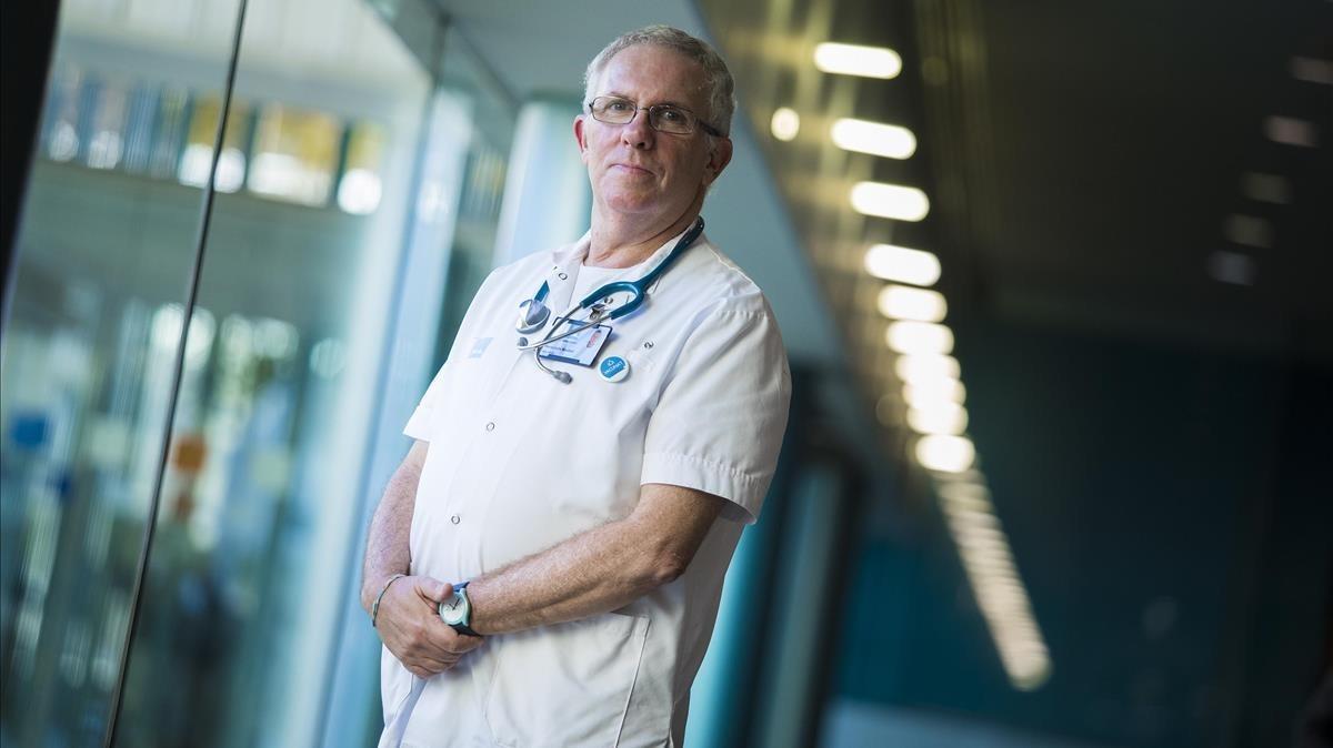 Hernando Knobel, coordinador de la atención del VIH / sida en el Hospital del Mar.