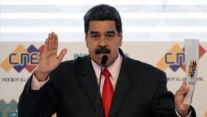 """Maduro mantindrà la gasolina barata als que tinguin el """"Carnet de la Pàtria"""""""