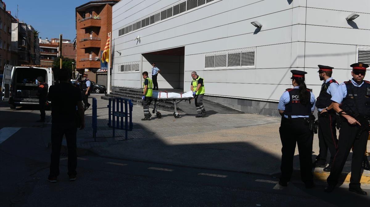 """Els Mossos tracten l'atac a la comissaria de Cornellà com un """"atemptat terrorista"""""""