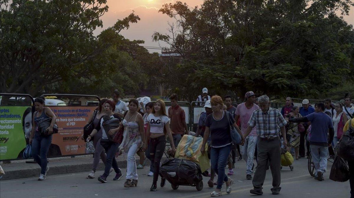Les peticions de protecció de veneçolans es disparen a la UE