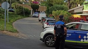 Denunciada una revetlla il·legal de 300 persones i tres dies a Sitges