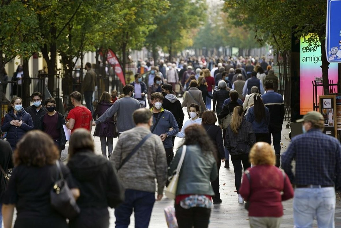 Las calles de Madrid, abarrotadas durante el puente de Todos los Santos.