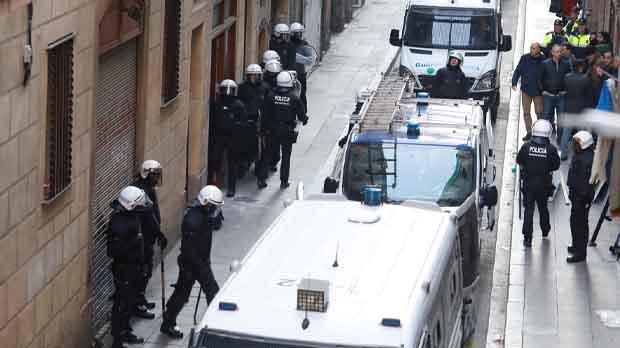 Desalojo a la finca municipal ocupada en Barcelona