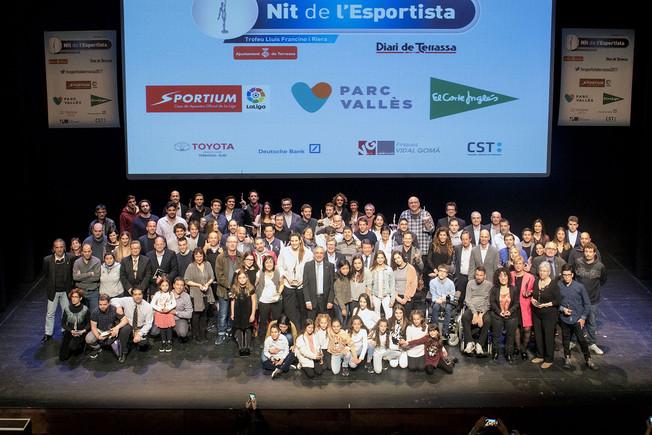 Foto de grupo de la gala la Nit de lEsportista en Terrassa.