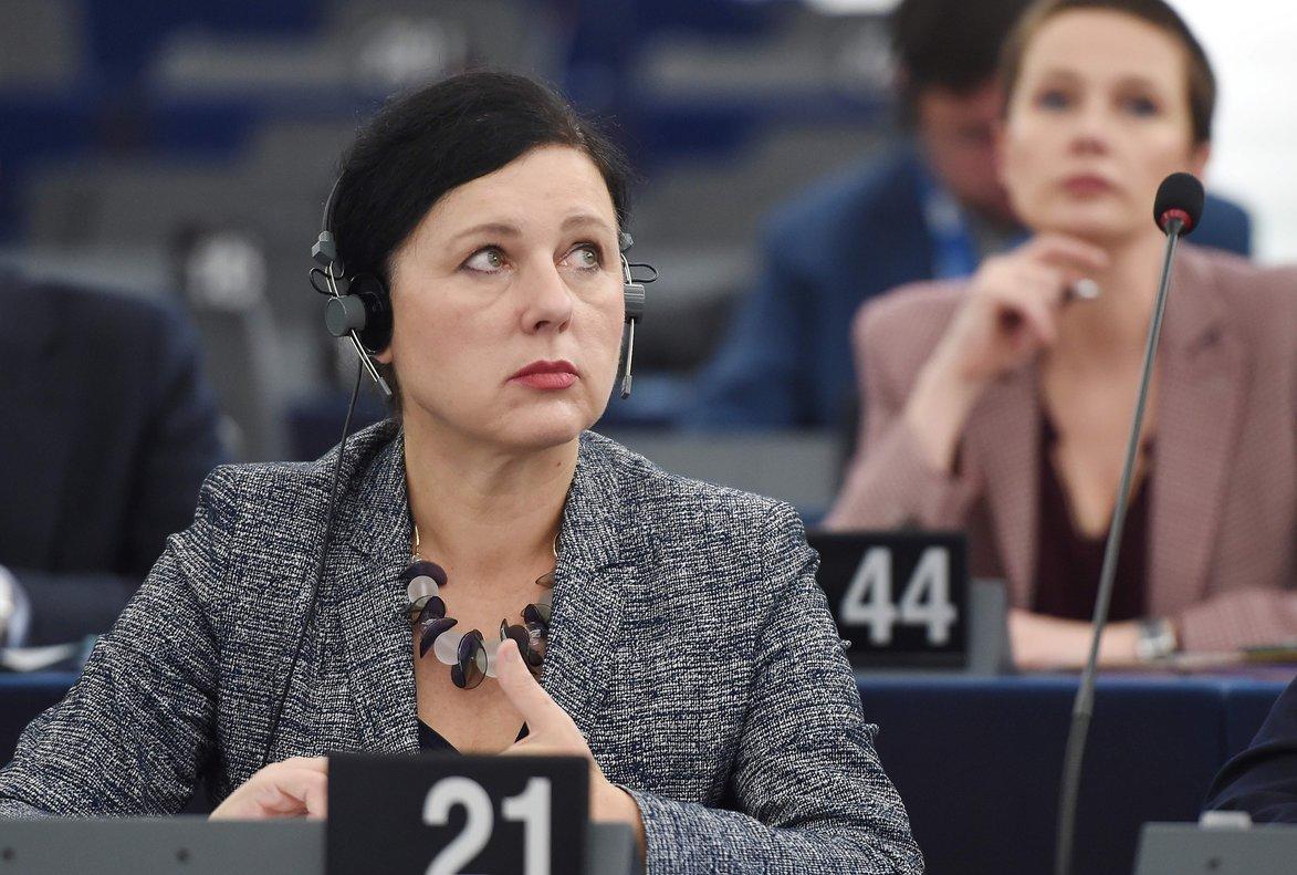 Vera Jourova, en el Parlamento Europeo.