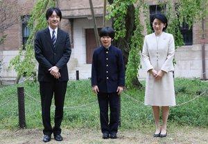 Els misteriosos ganivets a l'aula del príncep Hisahito del Japó