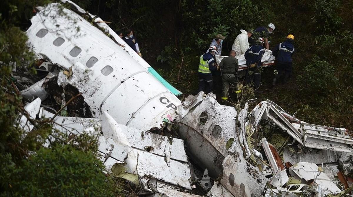 Accidente de avión en Colombia deja 12 personas muertas