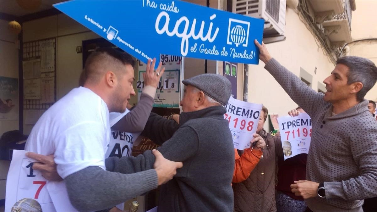 La administración de loterías número 59 de Málaga ha vendido el numero 71198 agraciado con el gordo del sorteo deNavidad.