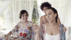 Ana Milán, Ana Joven y Mónica Naranjo en 'Mónica y el sexo'.