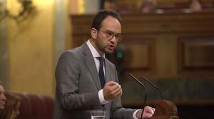 Antonio Hernando, durante su intervención de este miércoles en el debate sobre los Presupuestos.