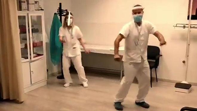 «Aquest virus no és cap broma», el vídeo dels metges i sanitaris de Lleida