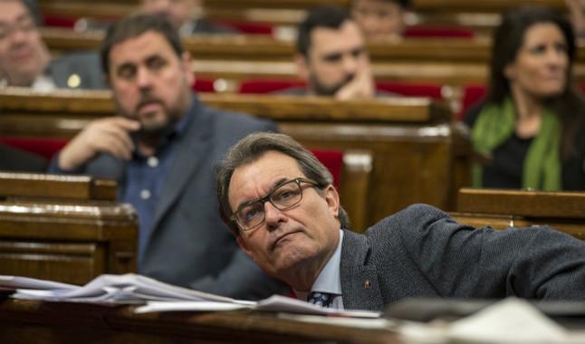 El President de la Generalitat, Artur Mas, y el President de Esquerra Republicana, Oriol Junqueras, en una sesión de control del Parlament.