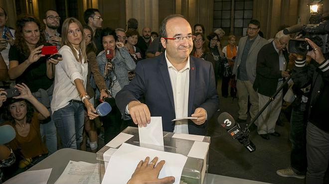 Declaraciones del candidato del PSC, Miquel Iceta, tras su votación en el 27-S.