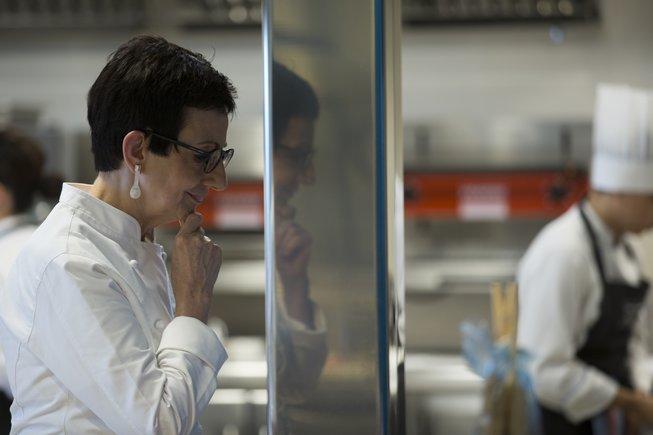 Carme Ruscalleda, en la cocina de Sant Pau, que cierra definitivamente el 27 de octubre.
