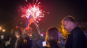 Celebraciones por la proclamación de la independencia en Donetsk, el lunes.