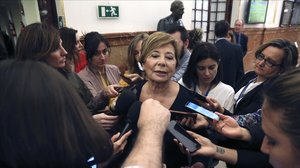 Celia Villalobos durante la sesión de control al Gobierno.