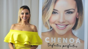 La cantante Chenoa, en la presentación de su libro 'Defectos perfectos', en Madrid.