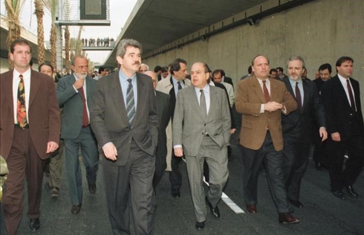 Pasqual Maragall y Jordi Pujol, a principios de los años, en el paseo inaugural de la Ronda de Dalt