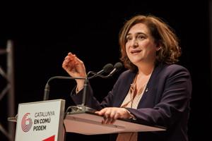 Ada Colau cree que lo lógico es que quién opte a presidirde la Generalitat esté en Catalunya.