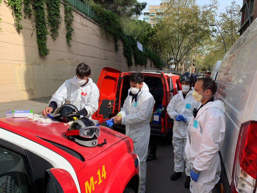 Actuación en la residencia de Barcelona en la que han muerto 20 ancianos.