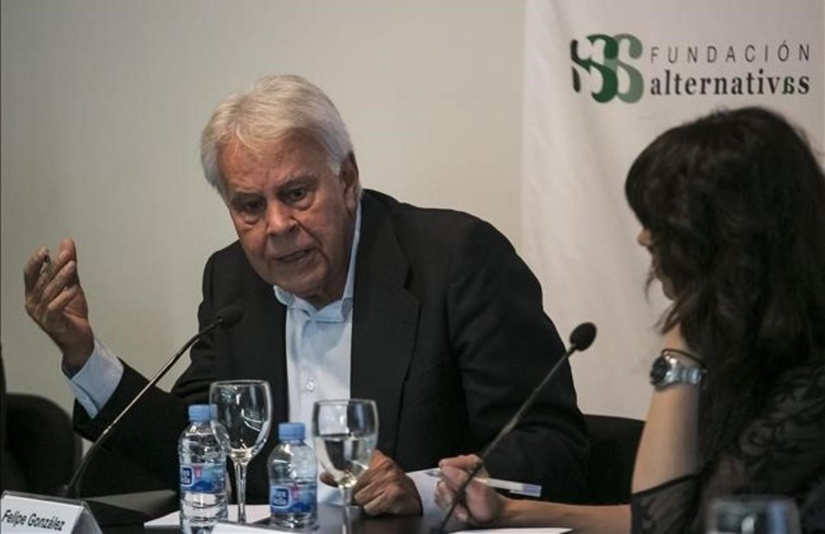 """Felipe González demana sancions econòmiques contra Maduro i els """"revolucionaris de pacotilla"""""""