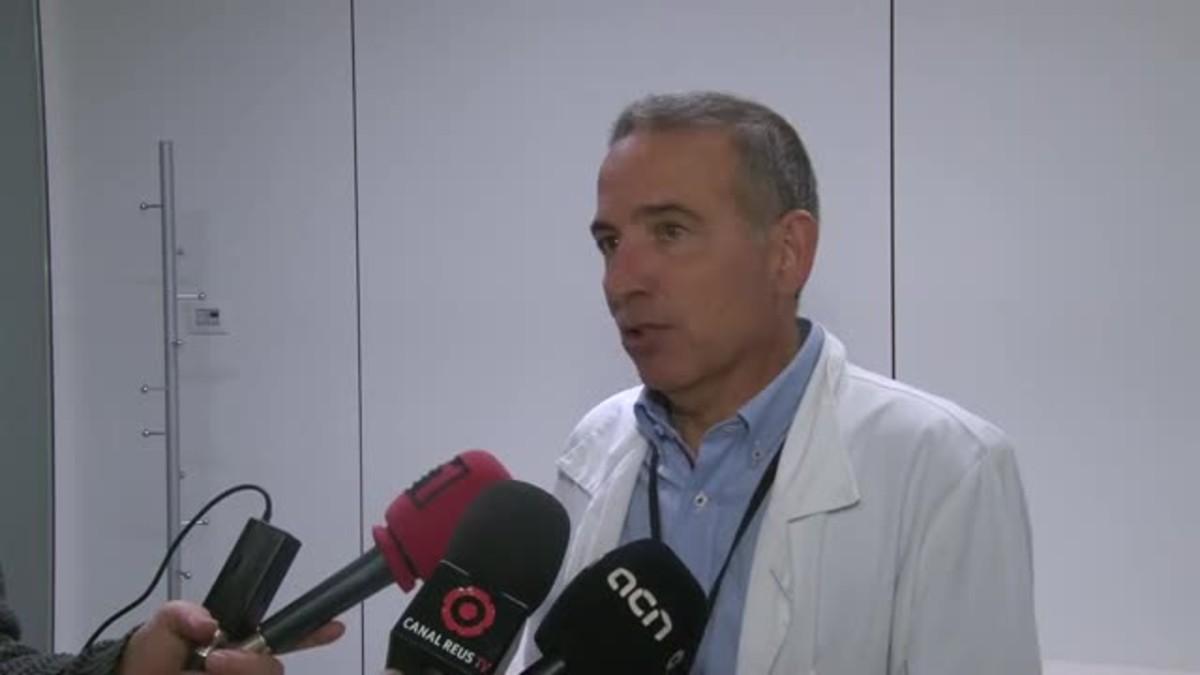 El director del hospital Sant Joan de Reus, Òscar Ros, explica que hay dos casos nuevos en alumnos que hacían prácticas en el servicio de Urgencias del centro.