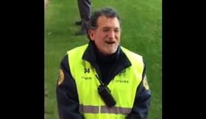 El 'doble' de Rajoy se cuela en el fútbol: de presidente a empleado de seguridad
