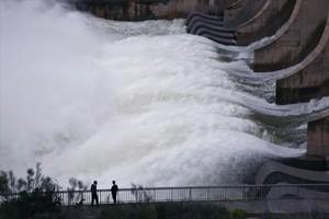 El Gobierno estudia qué hacer con las hidroeléctricas para reducir la factura