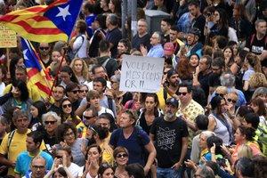 Una Badalona de contrastos el dia de la Marxa per la Llibertat