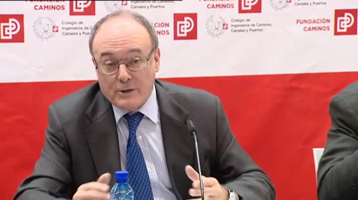 Luis María Linde asegura que la única vía para poder seguir garantizando las pensiones ha de pasar por el empleo.