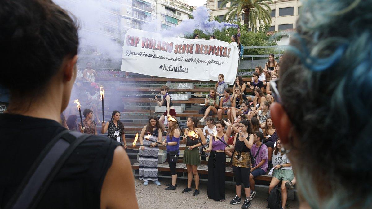 Els Mossos investiguen la violació a una noia que tornava de les festes de Gràcia