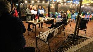 Imagende la protesta del miércoles, en unbanco que ha quedado dentro de una terraza privada.