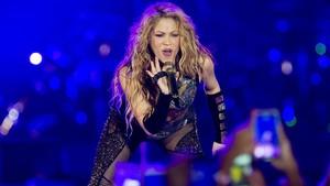 Shakira, durante su actuación en el Palau Sant Jordi en El dorado Tour .