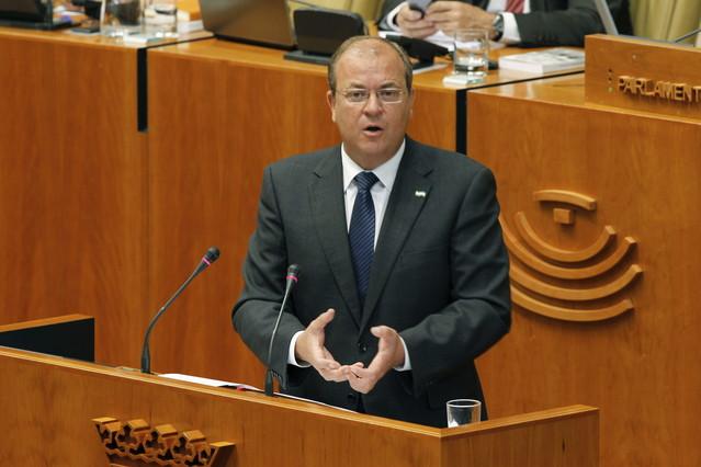 José Antonio Monago, presidente de Extremadura, durante un debate en el Parlamento extremeño.