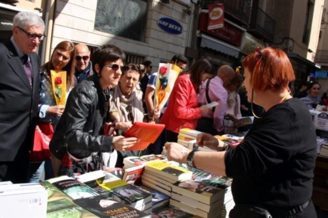 Parada de libros en Lleida, coincidiendo con la diada de Sant Jordi.
