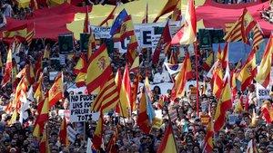Manifestación convocada por Societat Civil Catalana para decir 'basta' al 'procés', el pasado 27 de octubre, en Barcelona.