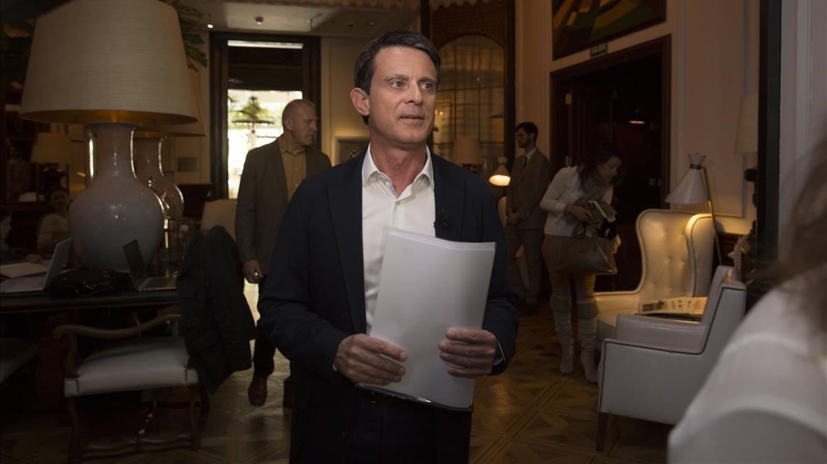 El alcaldable Manuel Valls, en un hotel de Barcelona